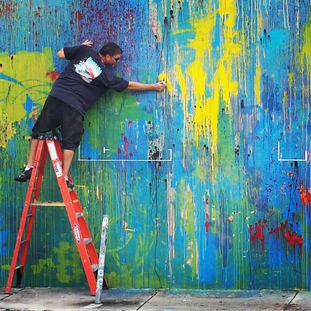 The science behind the message#wynwood #wynwoodmural #wynwoodwalls #wynwoodstreetart #loveism #loveharder #streetartist #streetartdubai #streetart#loveismseries